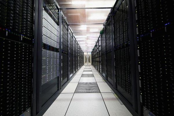 benefits of backup server