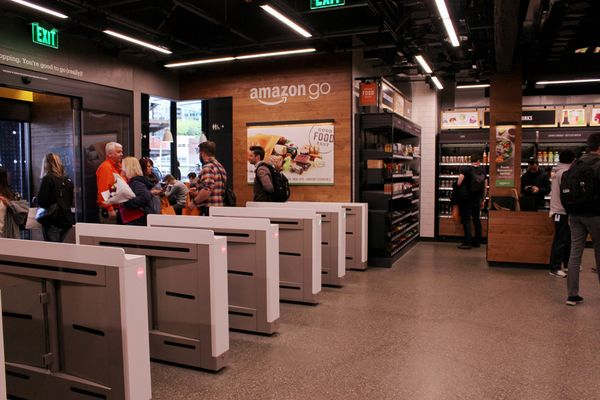amazon go cashierless store