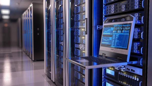 data center vs cloud