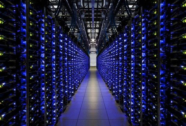 how movies portray data centers