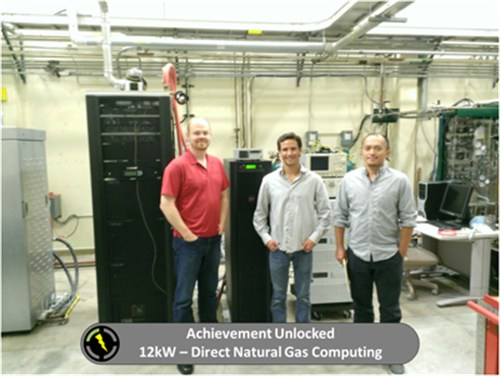 Fuel cell system directly powers the data center servers