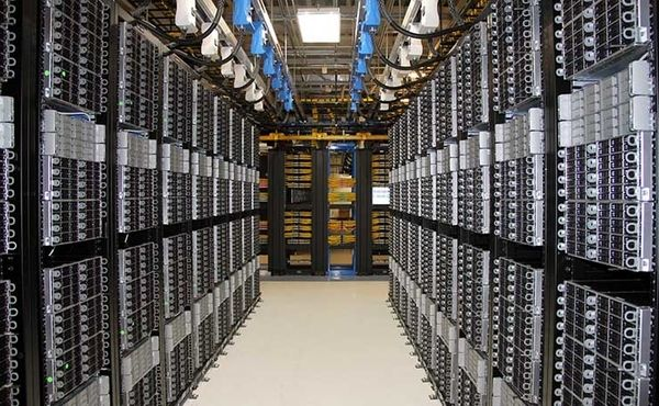 what is a colo data center