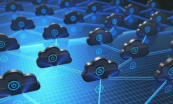 what is a hybrid cloud strategy