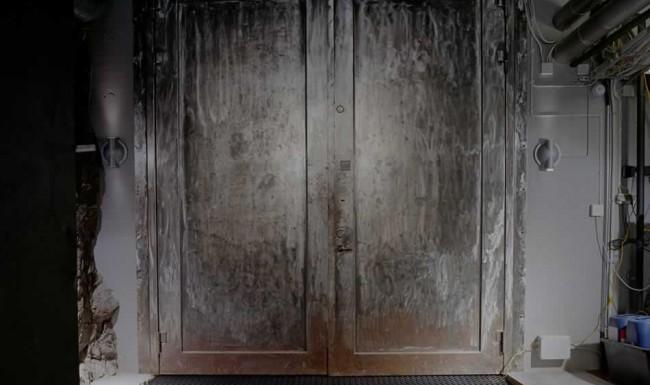 Mount10 Ominous Door